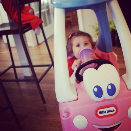 Clara in car
