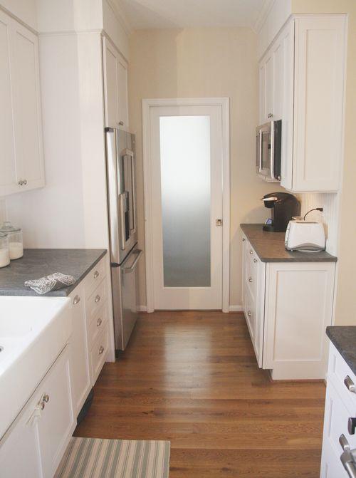 Looking toward pantry
